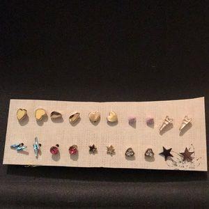 Set of 10 pairs of stud earrings